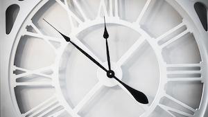 Industryweek 20396 Clock Old T