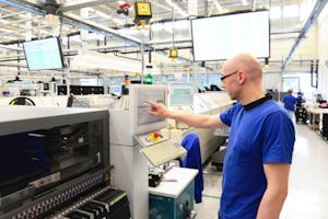 Hig Tec Mfg Industryviews Dreamstime