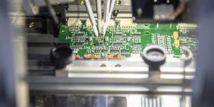 Production Line Of Microchip Electronics Semiconductor Computer Chip © Phuchit Dreamstime