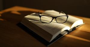 Book Seema Miah De Pmol2k Yd Y Unsplash