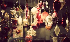 Holiday Merchandise © Andreaobzerova