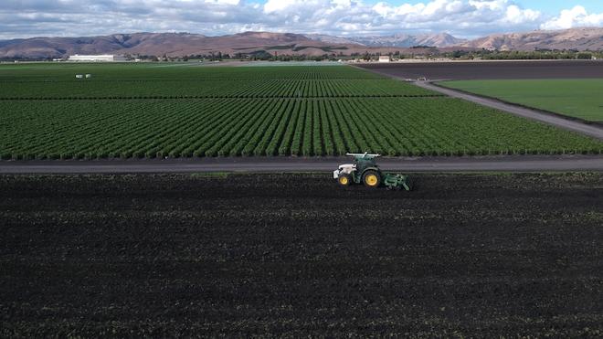 Picture 2 Tractor 61140cd77fa8b