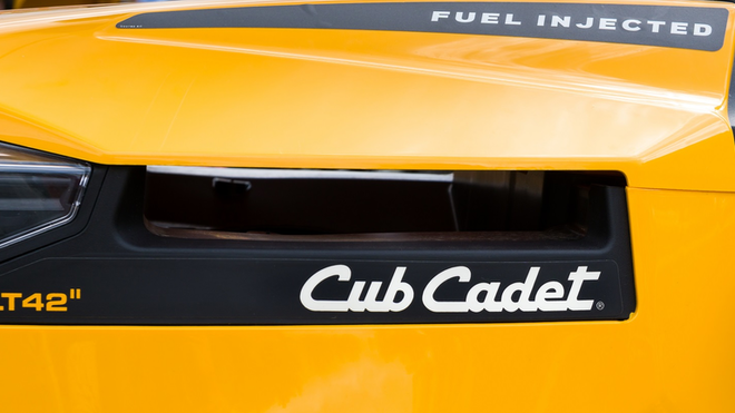 Club Cadet Yellow Bright Riding Lawn Mower Tractor Ken Wolter Dreamstime 611c1ff94a39f