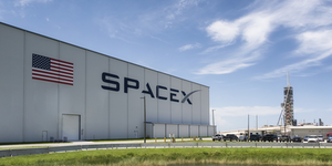 Spacex Launchpad Exterior Cape Canaveral Florida Space Aerospace Space Tourism Elon Musk Space © Ilfede Dreamstime